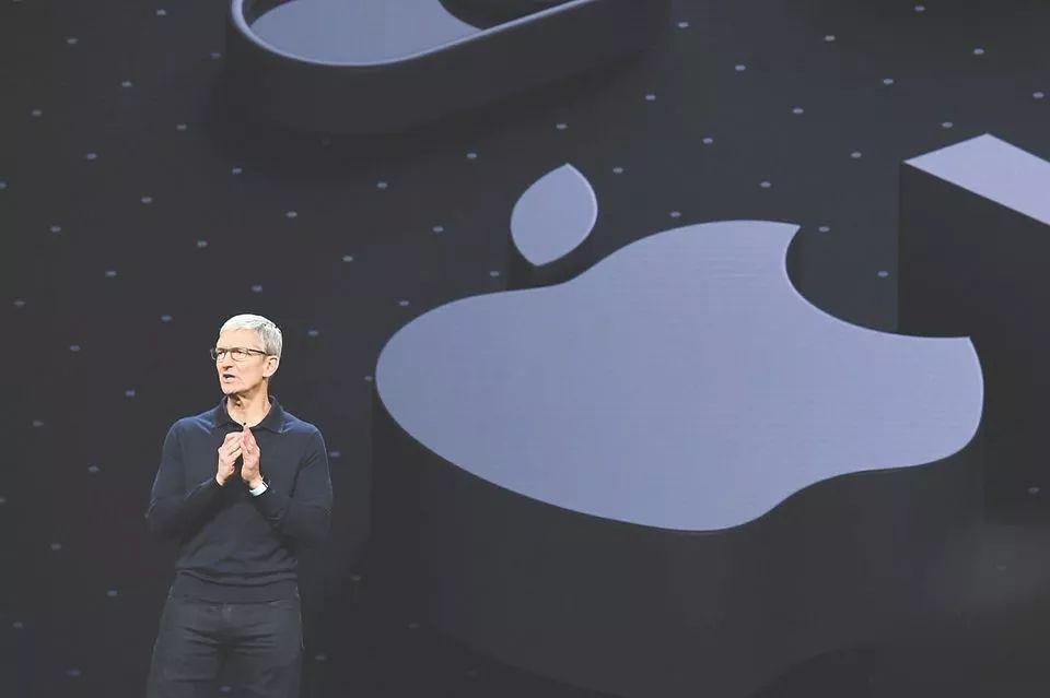 市值率先突破万亿美元,苹果致胜不只靠创新