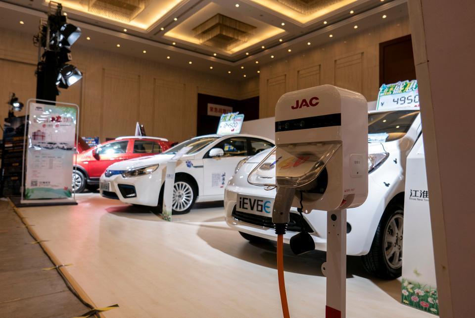 外媒:去年中国补贴电动车数百亿 政策调整会怎样