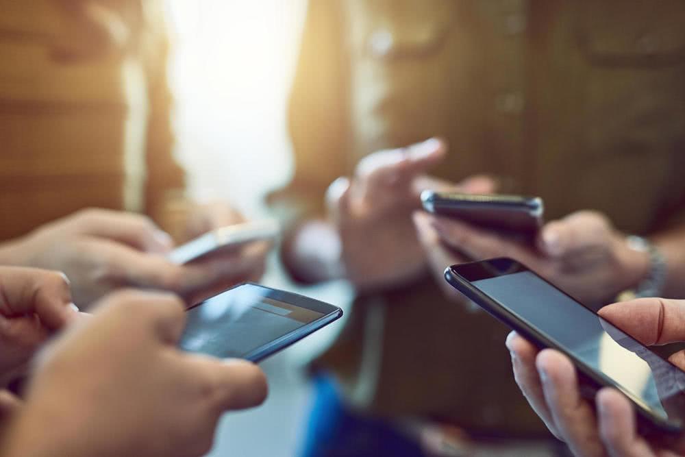 连续三个月出货量下降 疲软的国内手机市场如何拯救
