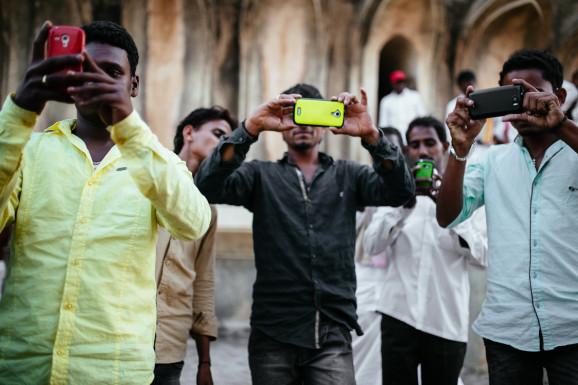 美媒:中国企业统治印度手机市场 苹果都要靠边站