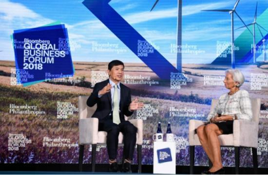 李彦宏对话拉加德:AI将帮助人类而非取代人类