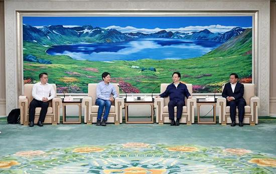 吉林省委书记景俊海等人会见小米雷军,后者将与中国一汽合作造车